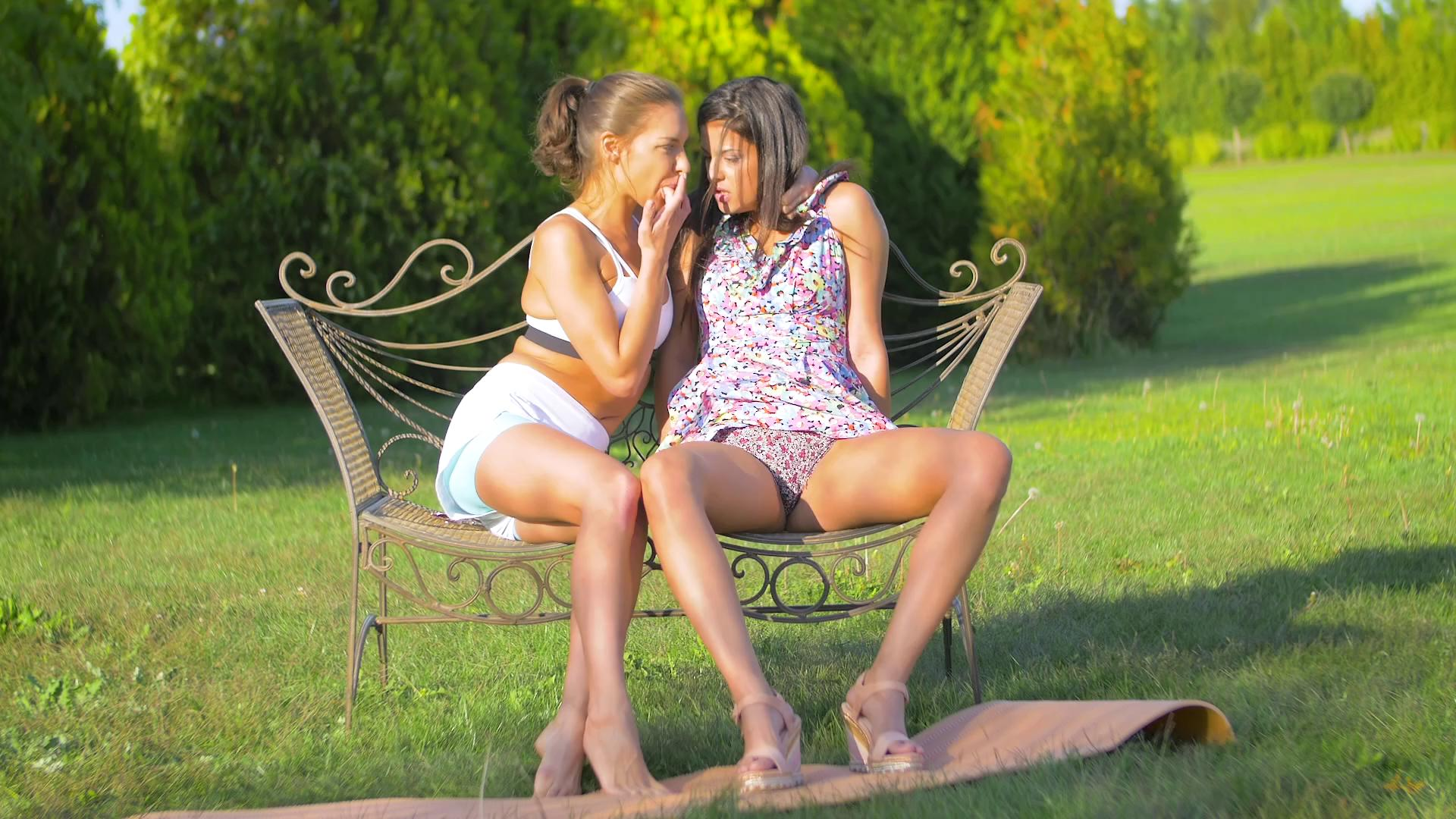 BabesUnleashed – Coco De Mal And Henessy Poon Watching