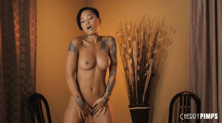 CherryPimps – Honey Gold Showing Off Her Honey Buns