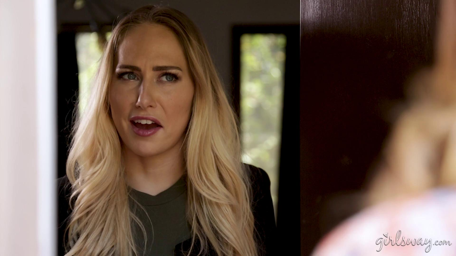 GirlsWay – Carter Cruise And Vanessa Veracruz Wrong Place Right Time