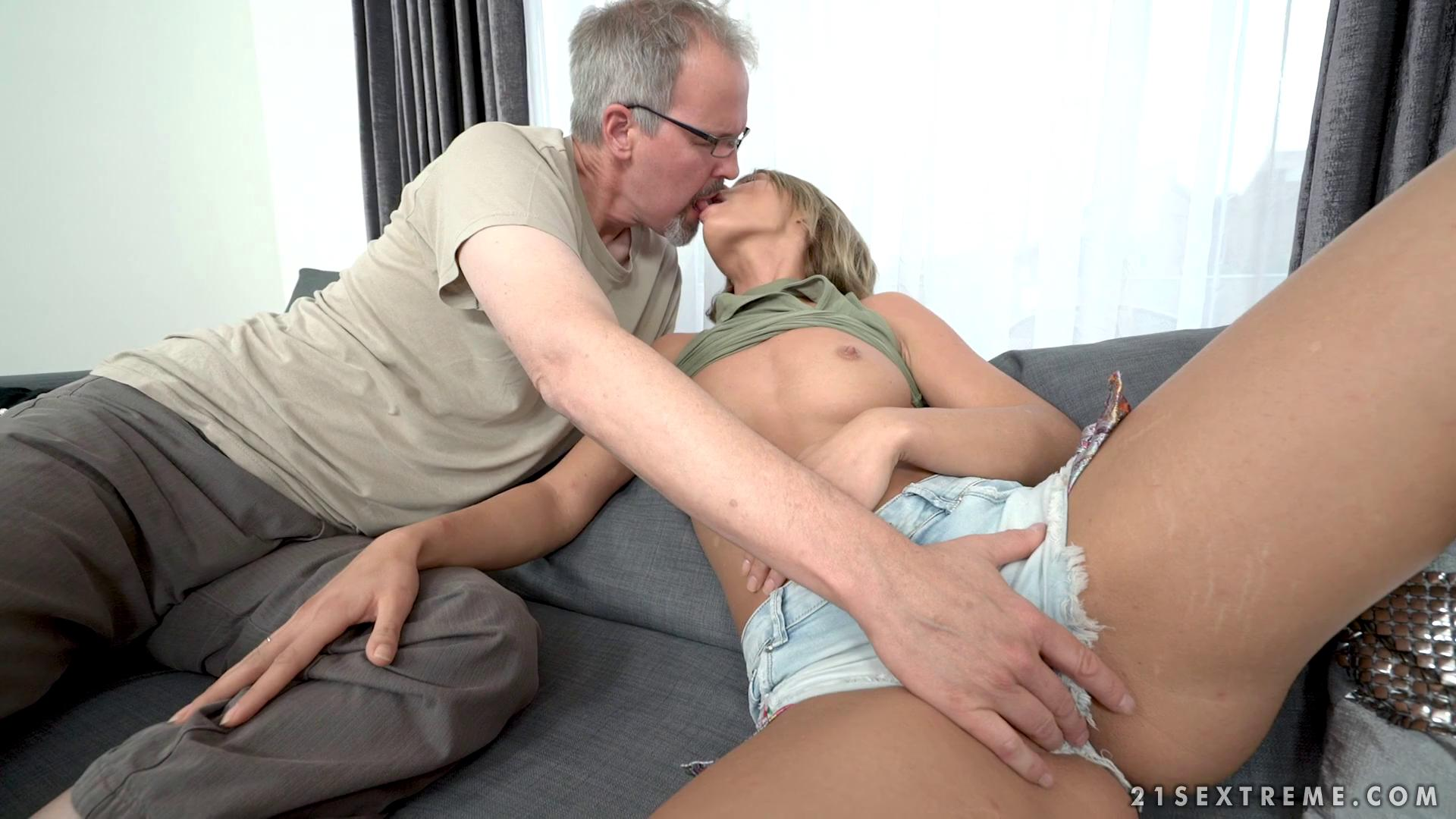 GrandpasFuckTeens – Lara West Age Is No Problem
